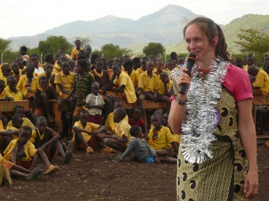 Elke Buscher hält eine Eröffnungsansprache